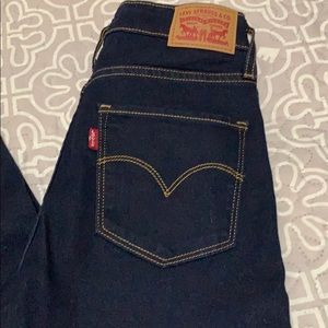 Levi's 721 high rise skinny jeans size 28/30.  NWT